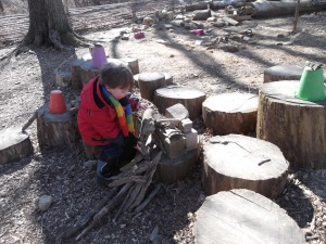 building with loose parts in the Outdoor Classroom
