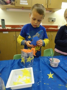 making a recycled bottle lantern